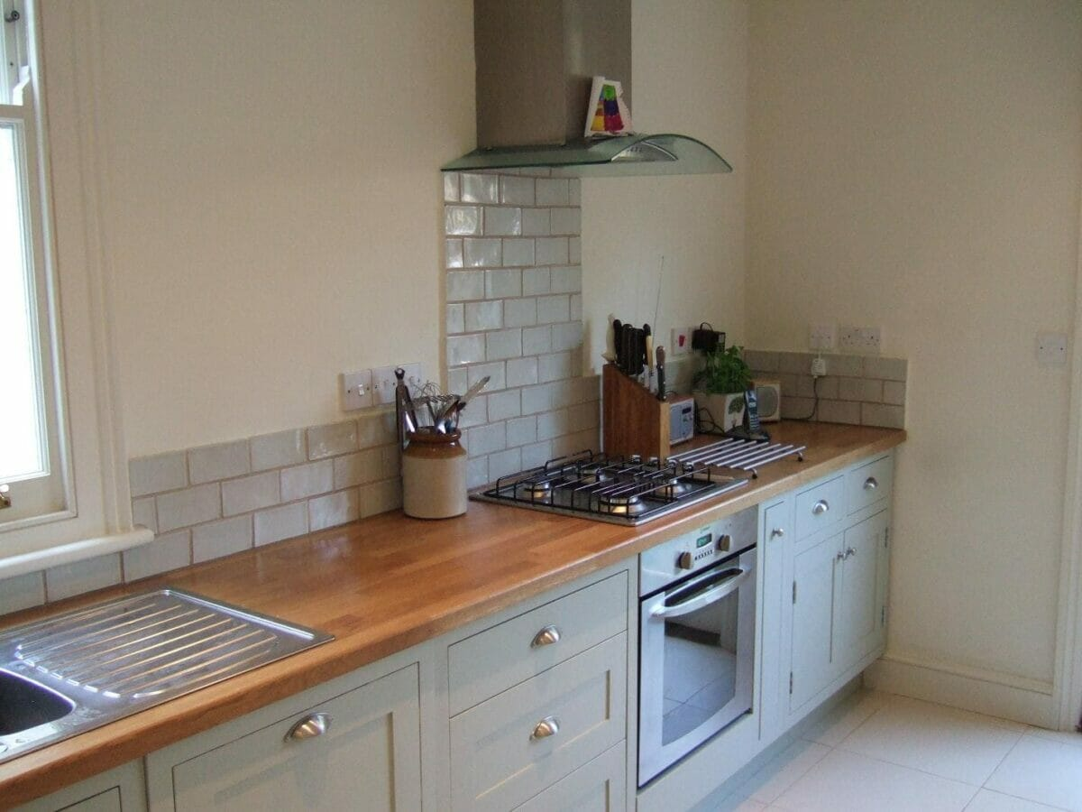 Small handmade kitchen in wandsworth higham furniture for Handmade kitchens
