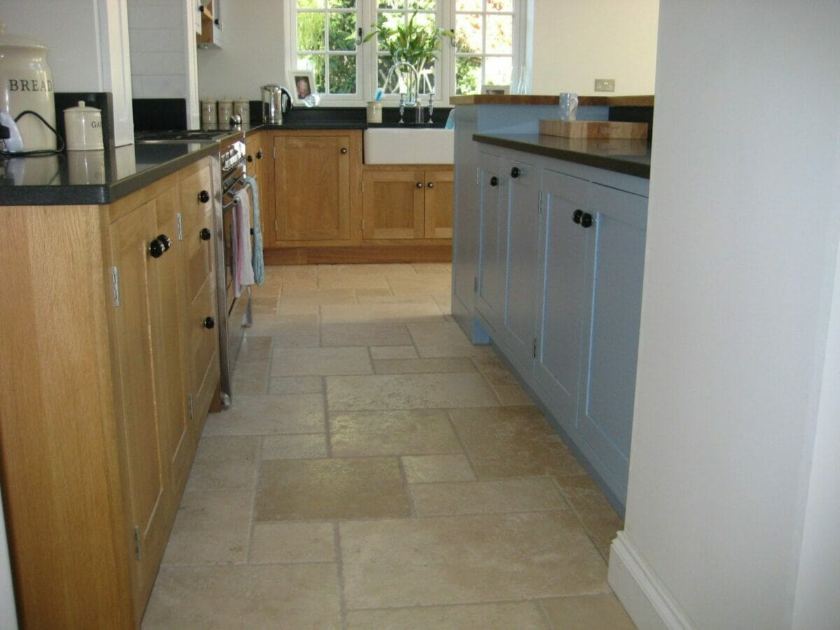 Buckinghamshire Painted And Oak Shaker Kitchen Higham Furniture
