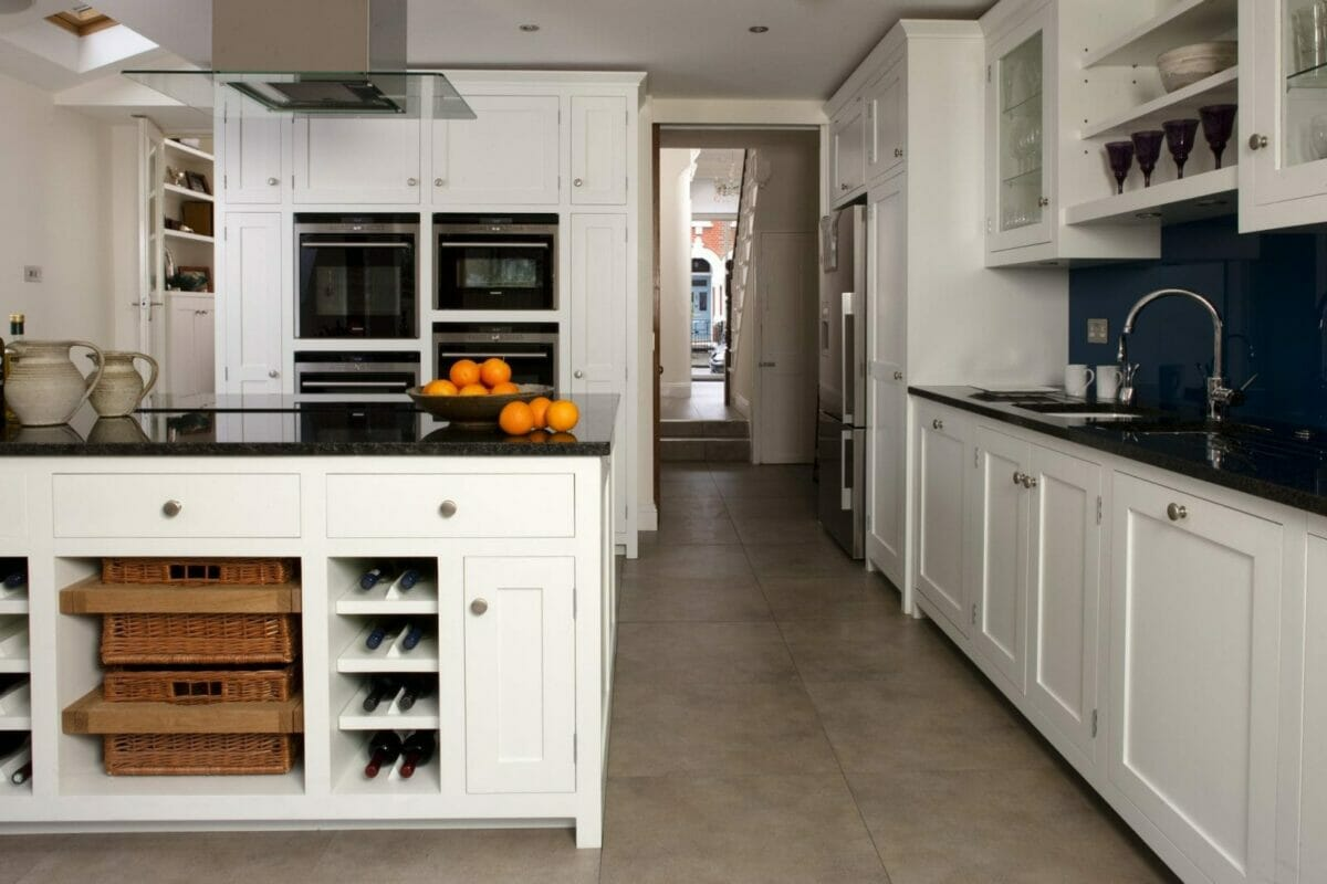 Wandsworth painted shaker kitchen higham furniture for Kitchen design london