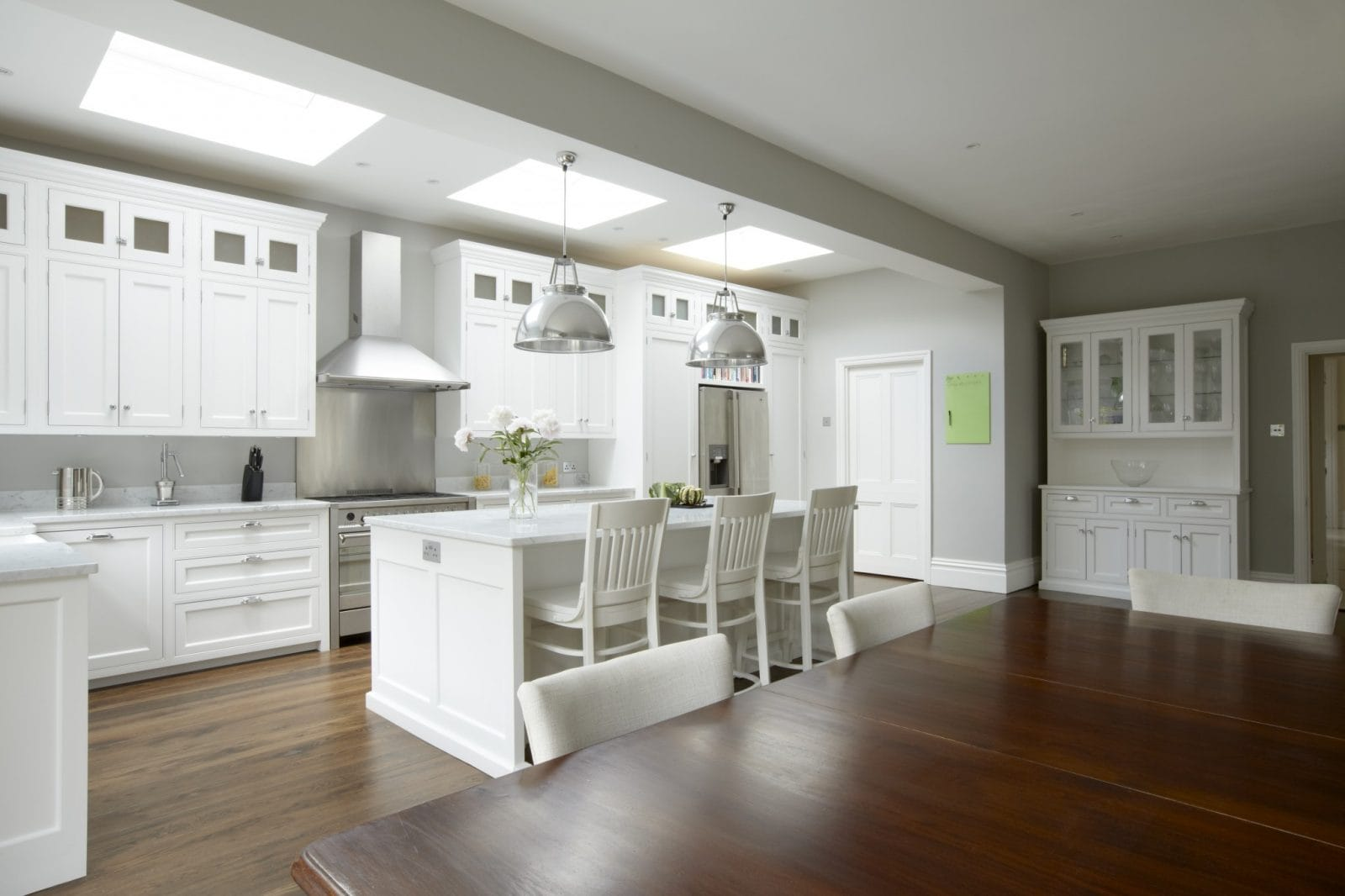 Hampton american style kitchen higham furniture for What is in style for kitchens