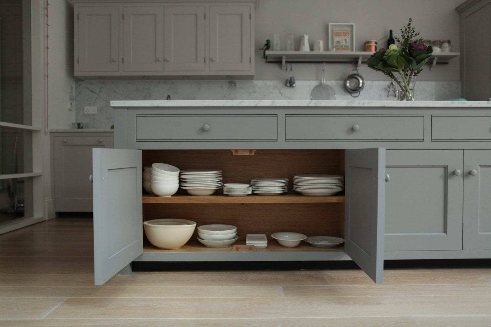 brook green traditional kitchen - higham furniture