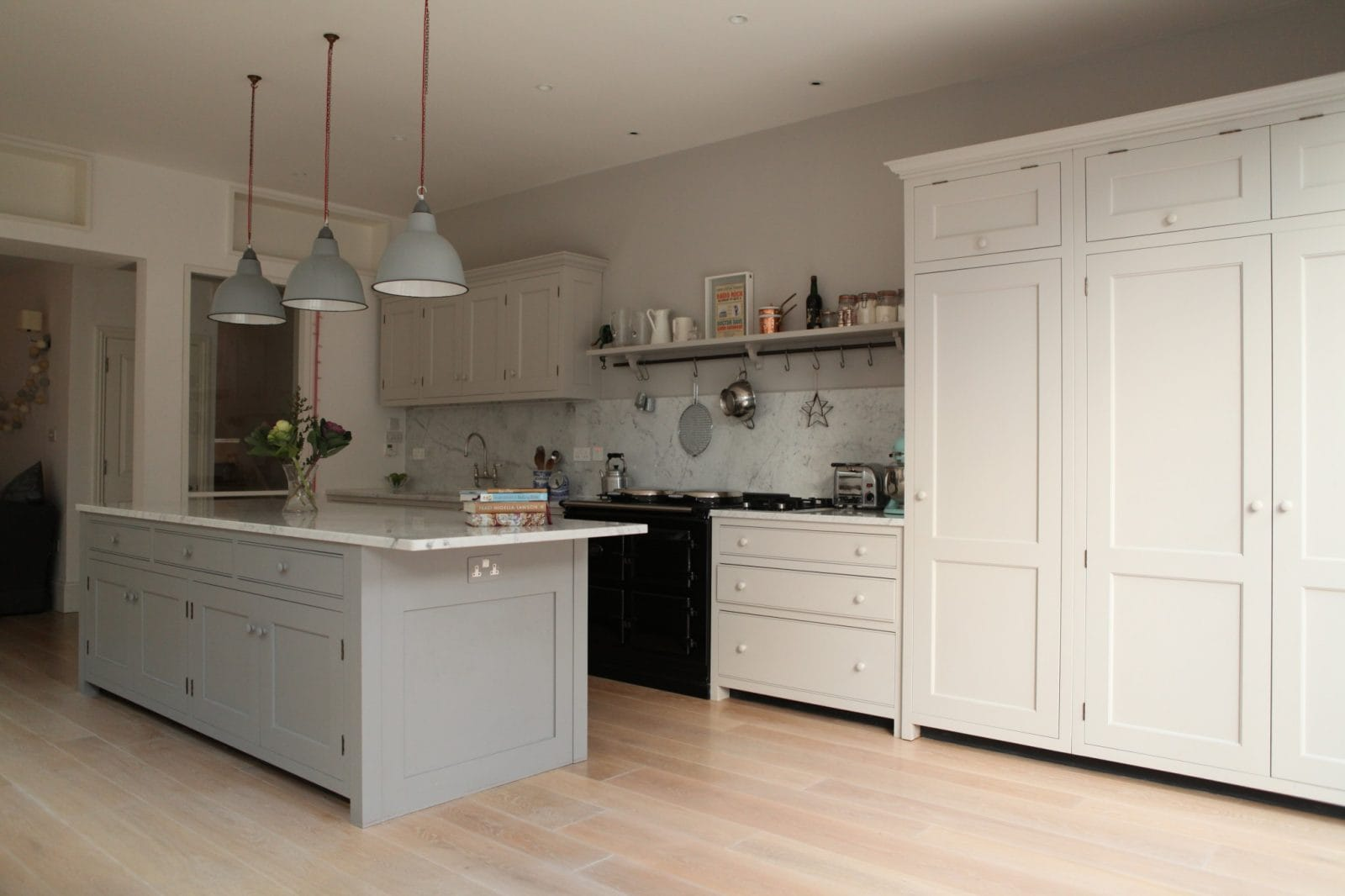 Brook green traditional kitchen higham furniture for Pics of traditional kitchens