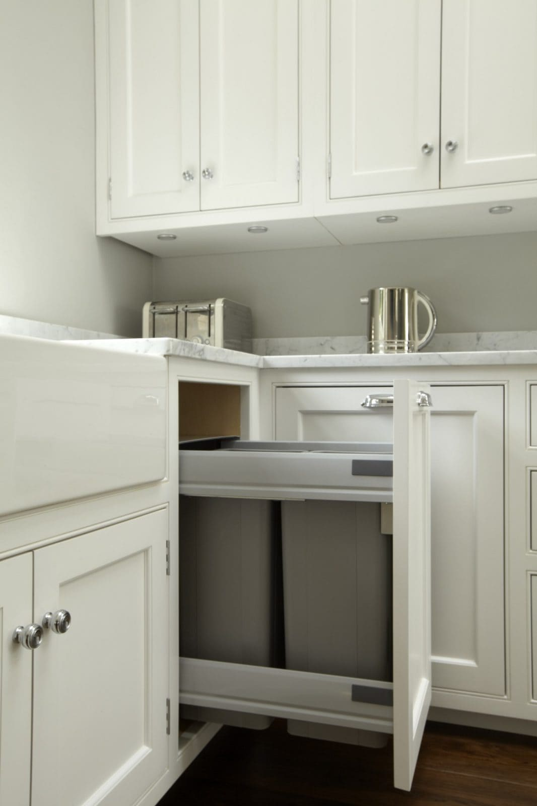 Integrated Kitchen Bins >> Hampton American Style Kitchen - Higham Furniture