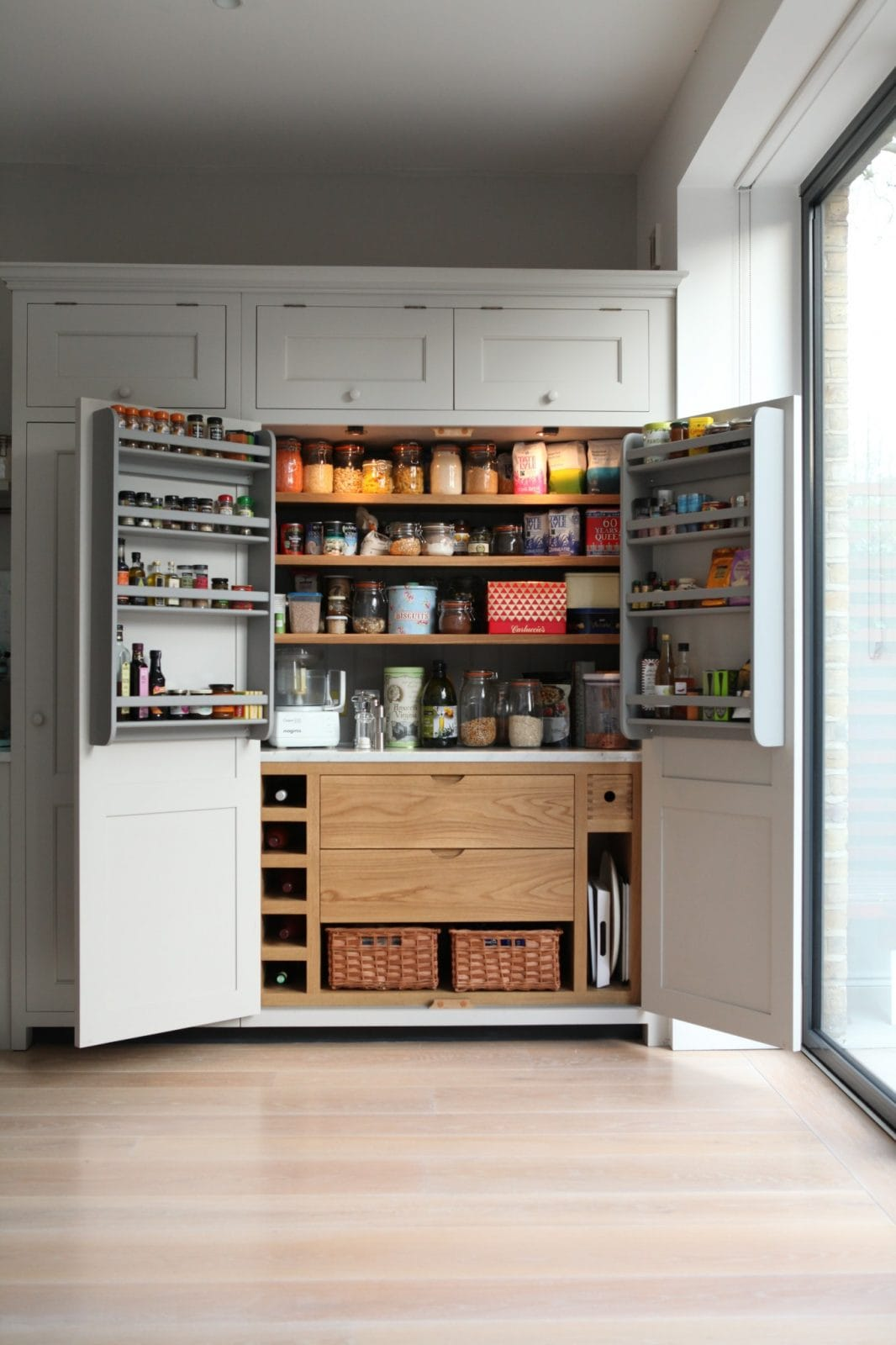 Kitchen Units Cabinets: Brook Green Traditional Kitchen