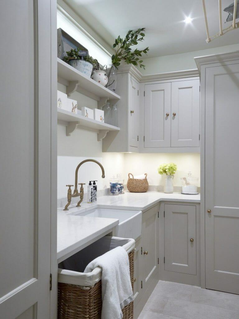 Chiswick Stamford Brook Painted Shaker Kitchen