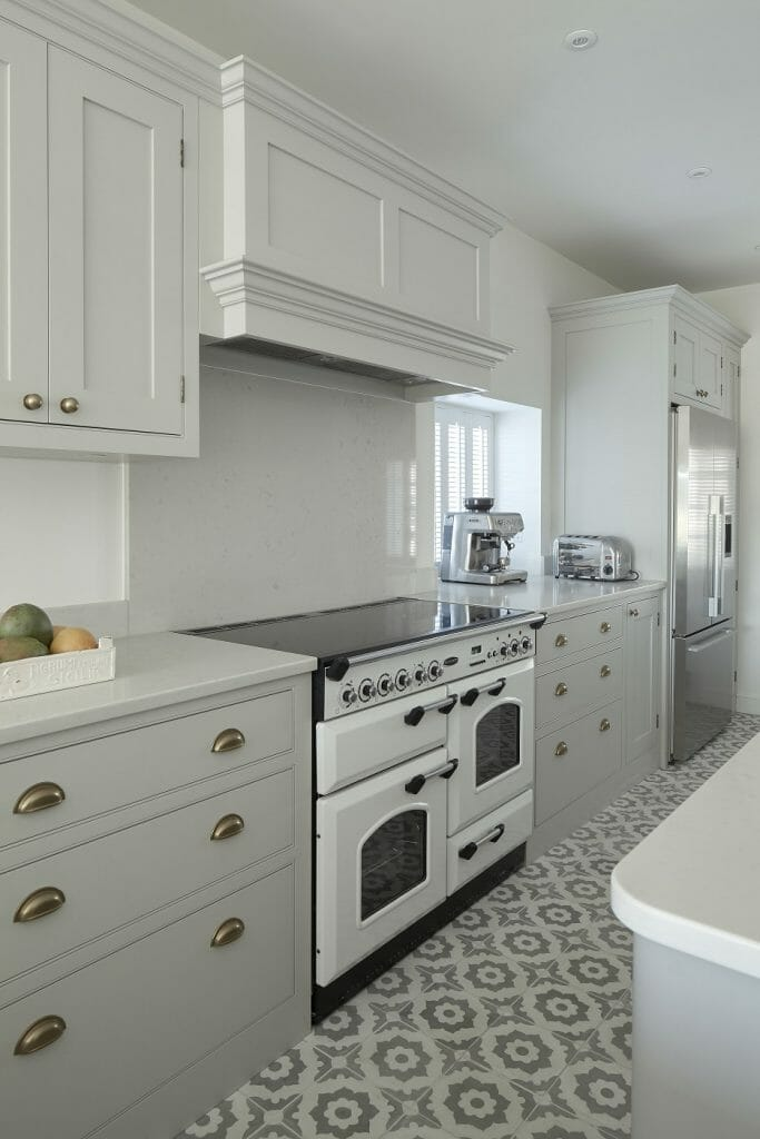 Andover Traditional Shaker Painted Kitchen