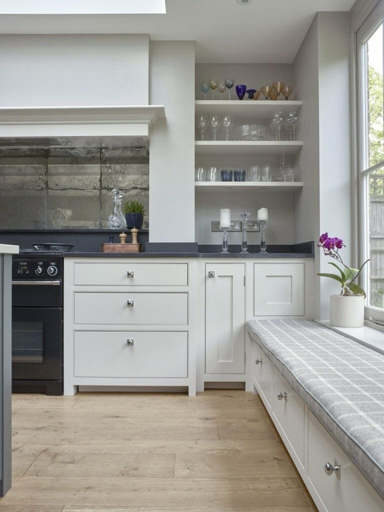 Godalming Traditional Painted Shaker Kitchen